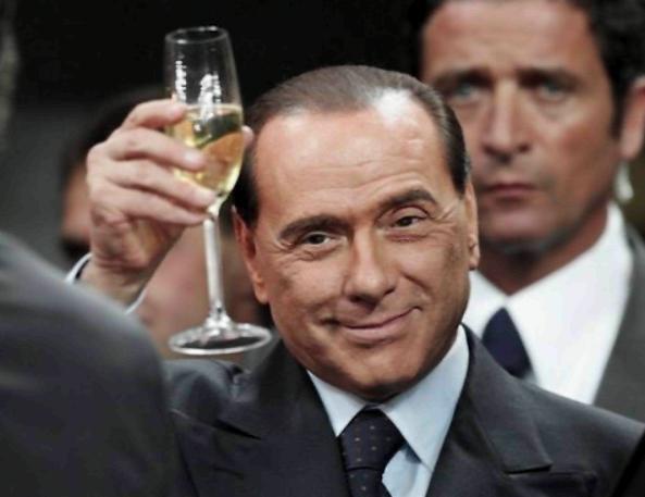Silvio-Berlusconi-compleanno-in-famiglia-il-cavaliere-festeggia-80-anni-ad-Arcore